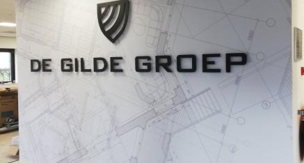 De Gilde Groep, fullcolor wand met freesletters/logo